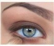 single-eyelook
